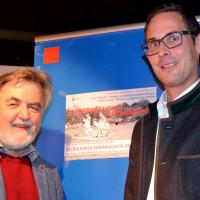 Gemeinderat Erich Schöpflin aus Diessen und der Landtagsabgeordnete Andreas Lotte aus München bei der Diskussion und Information über bezahlbaren Wohnraum in der Heimat.